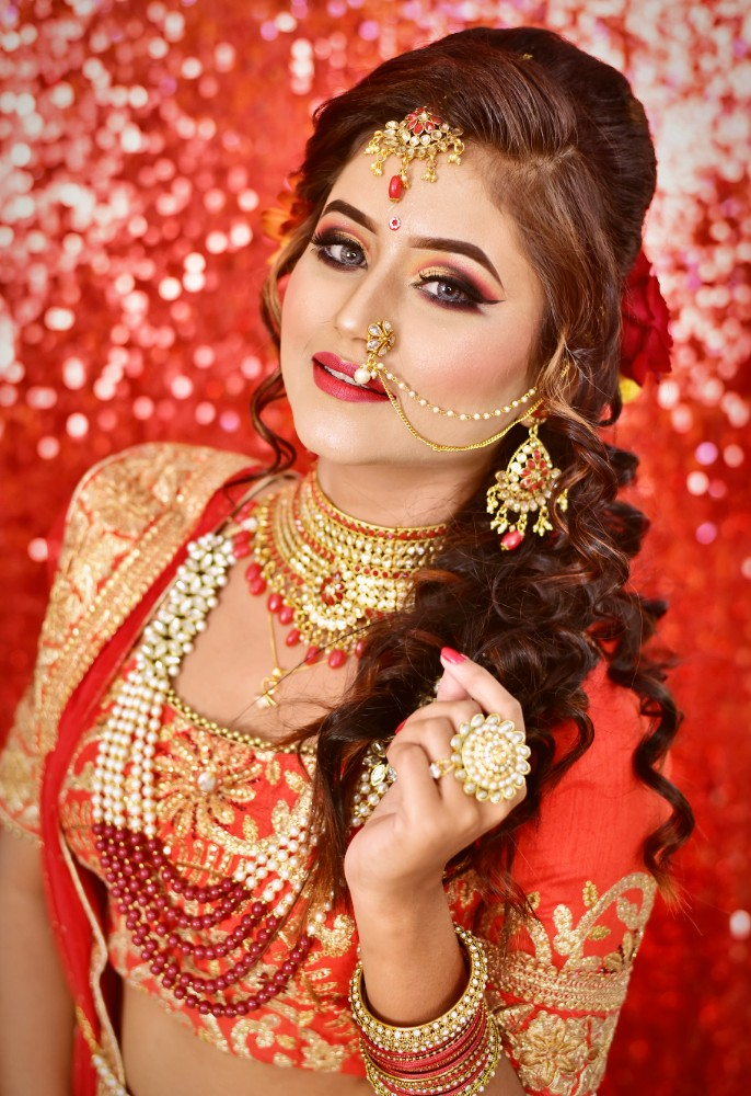 Hire Makeup Artist For Bridal Makeup In Kolkata, Delhi